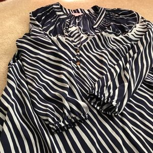 Lilly Elsa Top - Great condition